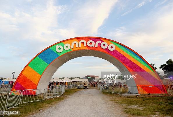 Bonnaroo 2015 David Korins Design SolaRay Arch (3).jpg